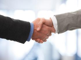 lg-handshake